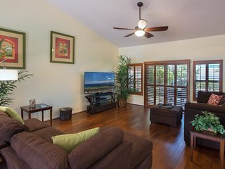Spacious open floor plan, perfect for families to gather and visit.