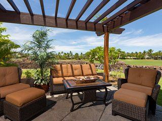 Spacious Condo w/Views Golf Course Views, A/C, & Pool. Mauna Lani Golf Villas C1