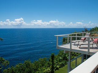 Cliffside Home w/Gorgeous Ocean Views and Tropical Garden.  Paradise Bluff