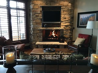 Ski-In/Ski-Out Deer Valley 2BR/2.5BA Arrowleaf Condo