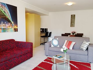 Anchor on Paramount - 2 Bedroom Deluxe (a), Melbourne