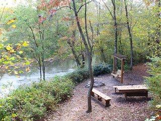 River Shoals, Helen