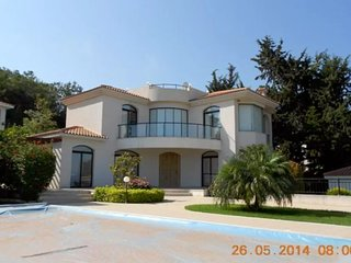 Superb Private Sea View Villa, Chlorakas