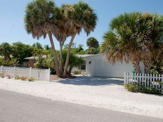 Homes-310 Gasparilla St. ~ RA128527, Boca Grande