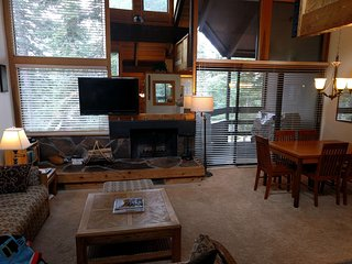 Cozy Northstar Condo Sleeps 4 Comfortably!