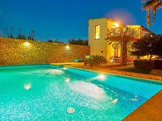 Selinunte villa with pool