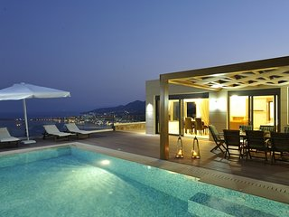 Luxury villa in Elounda, sleeping up to 10 persons, Agios Nikolaos