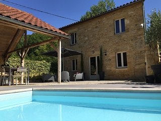LA TREILLE HAUTE - MAISON HAUTE - LARGE TERRACE, SMALL POOL, SAUNA