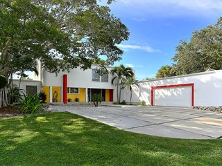 Luxury Villa - 8/10 Guests - 5 Minutes from Village - 10 Minutes from the Beach, Siesta Key