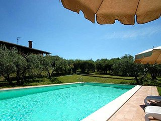 House with private/fenced pool. Quiet location and panoramic views, Portaria