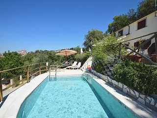 House with private pool and great panoramic views. 4+2 sleeps, Narni