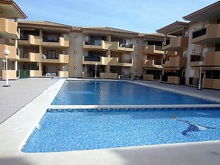 2 Bedroom well equipped apartment situated in a modern gated complex, Los Alcázares