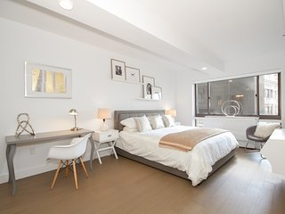 9094 - Luxury 2 BR - Midtown West, New York City