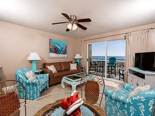 PI 115:  BEAUTIFUL CONDO ~ FREE BEACH SERVICE AND MOVIES! GREAT VIEWS, Fort Walton Beach