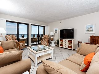SD 207: HUGE Gulf front with 32 ft balcony, WIFI, GOLF, BlueRay & MORE!, Fort Walton Beach
