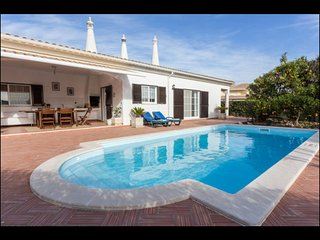 Villa in Algarve with 5 bedrooms and private pool, Porches