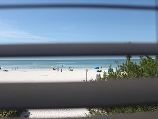 Sept OPEN: $85/nt (3+nt stays)! Beachfront, 2/1, Kitchen, Pool, Full Views!