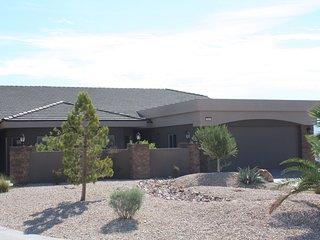 Unique 3100 sq.ft. townhome, 4/bed, 4/bath, 8/beds, Mesquite