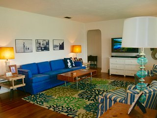 Spacious & Charming!  Pet Friendly/Steps to Beach and Best Restaurants