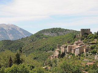 Gite 4 personnes en village vacances avec piscine., Montbrun-les-Bains