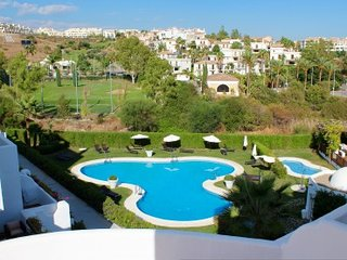 Luxury apartment in the gated Golf Hills Estate, Cancelada