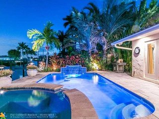 Family Resort by the Ocean, Lauderdale by the Sea