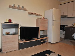 Cozy and warm apartment near the city center, Kalamaria