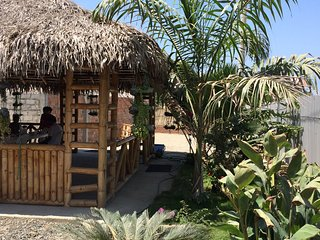 Beautiful Cabaña, quiet and relaxing place family atmosphere, Manta