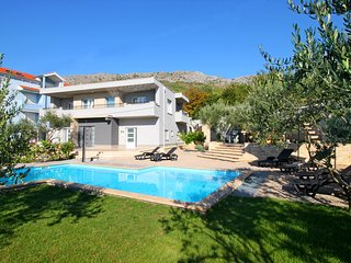 New & Luxury VILLA GABRIELLA  near Split, Podstrana