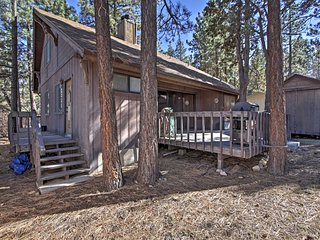 NEW! 2BR Sugarloaf Cabin w/ Wraparound Deck!