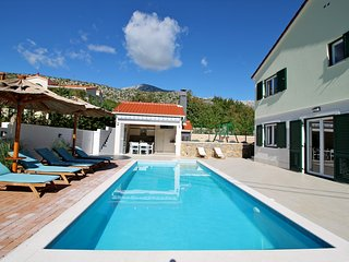 NEW! Villa Stožak, heated pool, gym, sauna, 4 bedrooms, max. 10 per.