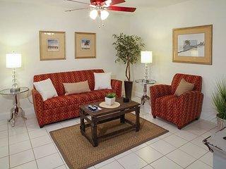 1BR, 1BA Pompano Beach Duplex – Close to Beaches, Golf, and Restaurants!