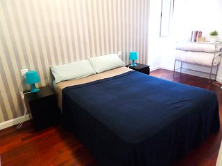IN THE HEART OF MALAGA 2 BEDROOM, WIFI, AIR COND., Malaga