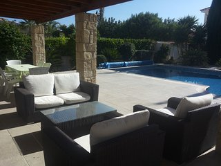 Pissouri Bay 3 bedroom bungalow + private pool + car - Kara Villa