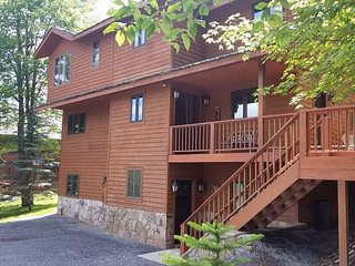 Lost River Lodge is a custom built, slope side home on Winterset Ski Trail