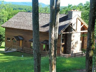 Winterwood Lodge is spacious and slope side, with large great room!