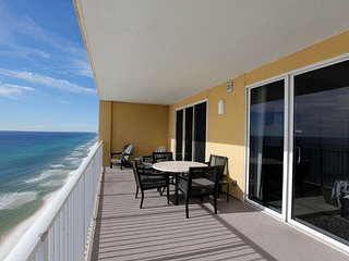 Corner Unit Penthouse Suite, 2 BR/2 BA with Gulf Front Master Bedroom!!!