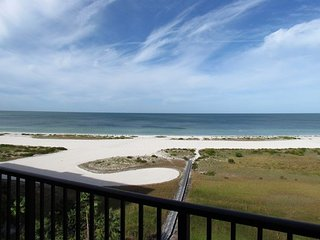 Luxury awaits you on Sand Key Beach for a December Vacation - Perfect Weather