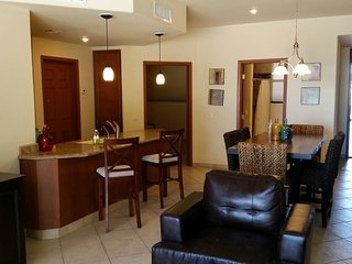 Las Palomas, Ph 1, Opalo 106 - 1BD/1BA, Huge Patio w access to pool,  Ground Flr