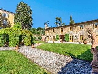 Villa Lucchese, Sleeps 22, Capannori