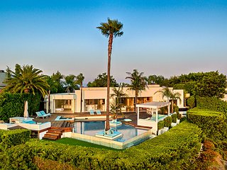 Beverly Hills Crest Estate, Sleeps 8