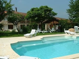 Perfect holiday home with pool in Pyrénées village, Galan