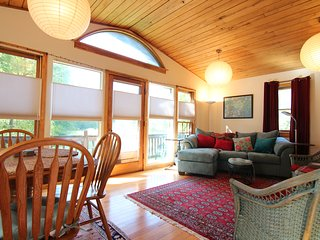 Charming Private Country Cottage 25 Minutes Northwest of Vibrant Asheville