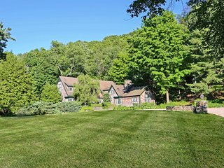 Lakefront Warren 'Carriage House' on 25 Acres!