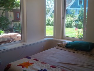 2 Bedroom Apt, full kitchenette, bath private ent., Port Townsend