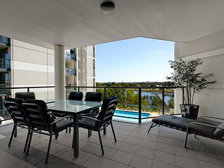 Swan River Luxury Apartment
