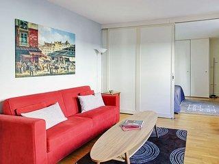 Greneta Apartment on the Edge of Marais