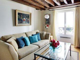 Beautiful 1 Bedroom Apartment in Marias