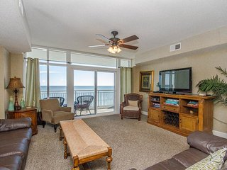 Ocean Blue Resort Luxury 4 Bedroom Condo with a Pool and Terrace, Myrtle Beach