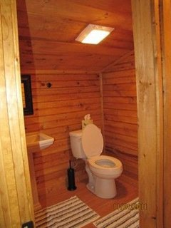 River Escape 2nd bathroom with stand up shower